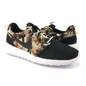 Nike Mens Roshe One SE Black Desert Camo Shoes